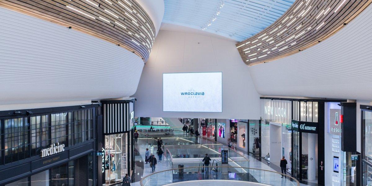 Galeria Wroclavia. Rozwiązania multimedialne. Digital Signage. Ekran LED. CITY. Ekspert komunikacji wizualnej.