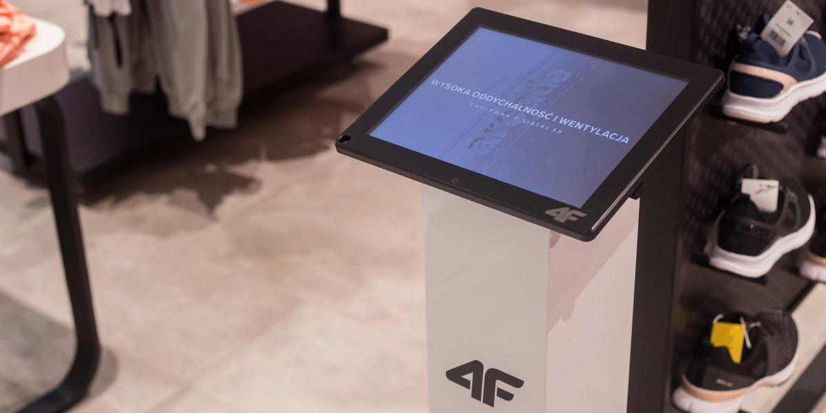 4F. Rozwiązania multimedialne. Digital Signage. Multimedialny stand. Krion. Galeria Jurajska.