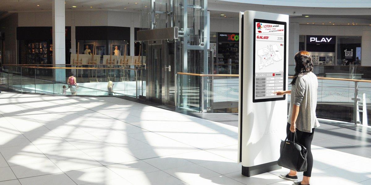 Galaxy. Kiosk multimedialny. Akryl. Interaktywny ekran.