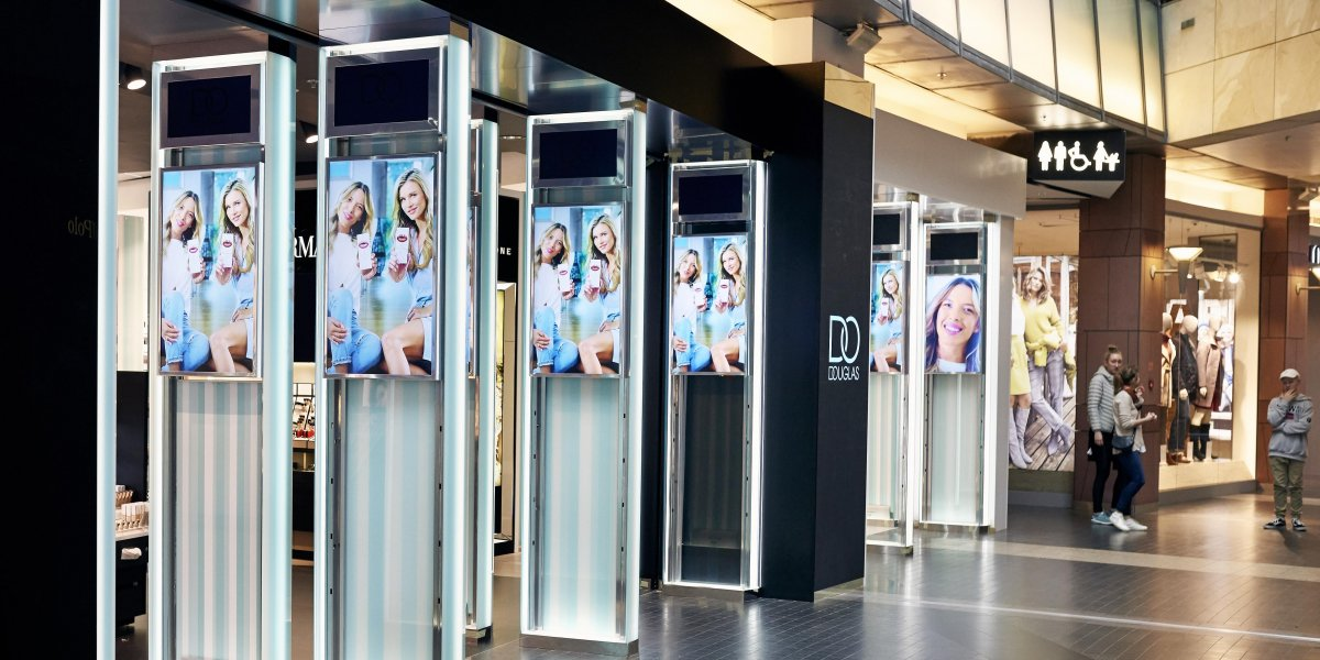 Douglas. Digital Signage. Rozwiązania multimedialne. Ekrany LED i LCD I CITY. Ekspert komunikacji wizualnej