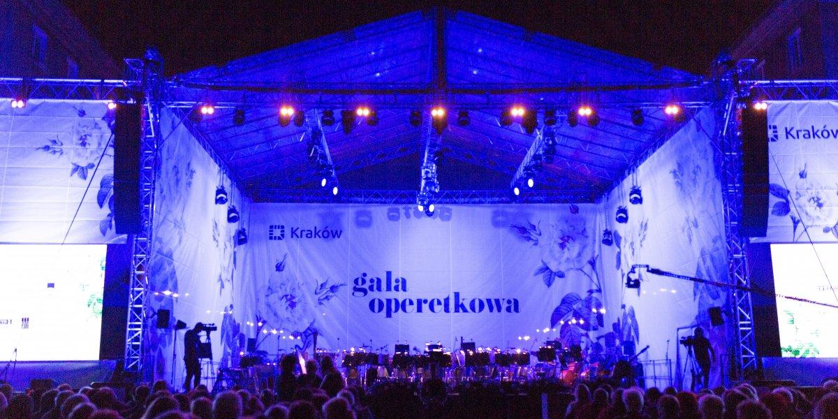 Gala Operetkowa. Print. Banner. Siatka mesh. CITY. Ekspert komunikacji wizualnej